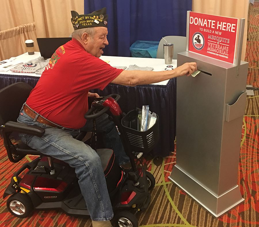 VFW state conf attendee makes donation