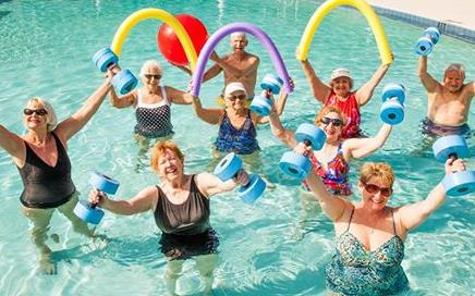 water aerobics for older adults Adult swim classes include classes for beginner and advanced swimmers, in addition to water aerobics classes for all ages, as well as ages 55+ patrons 55 an older receive a 50 percent senior discount on adult swim classes and water aerobics.