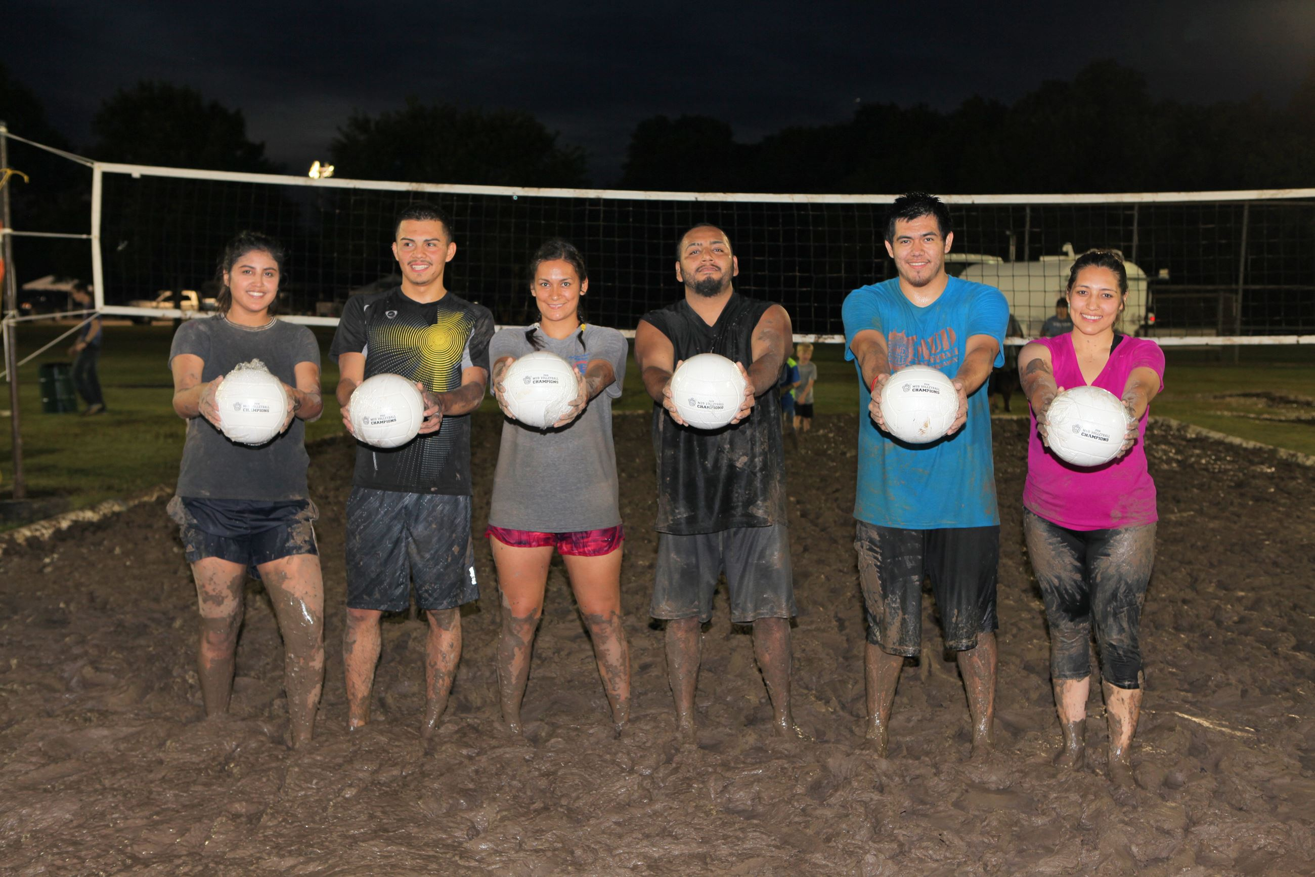 Mud Volleyball Champions - 6 Pack