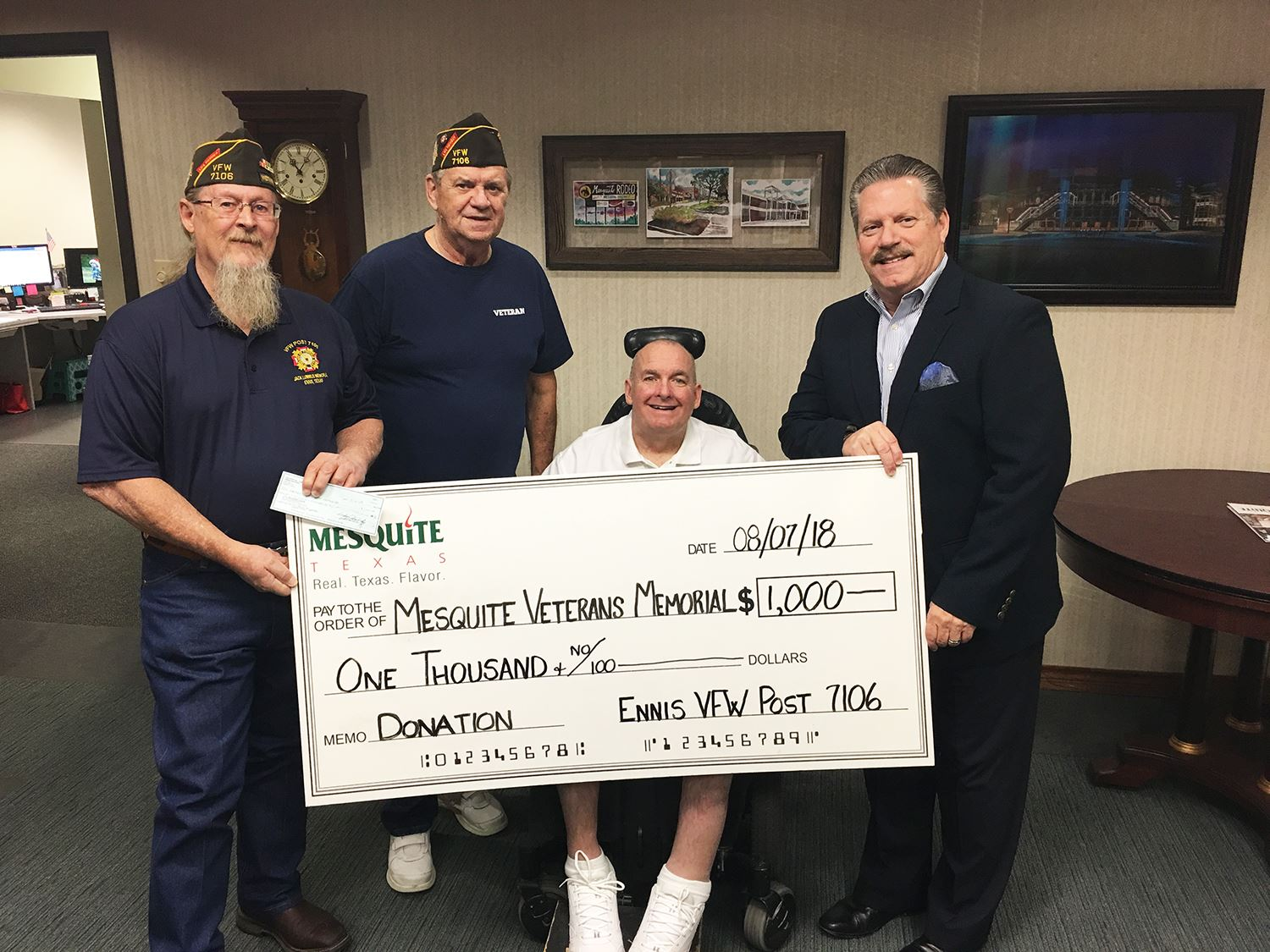 8-7-18 Ennis VFW post donates to veterans memorial