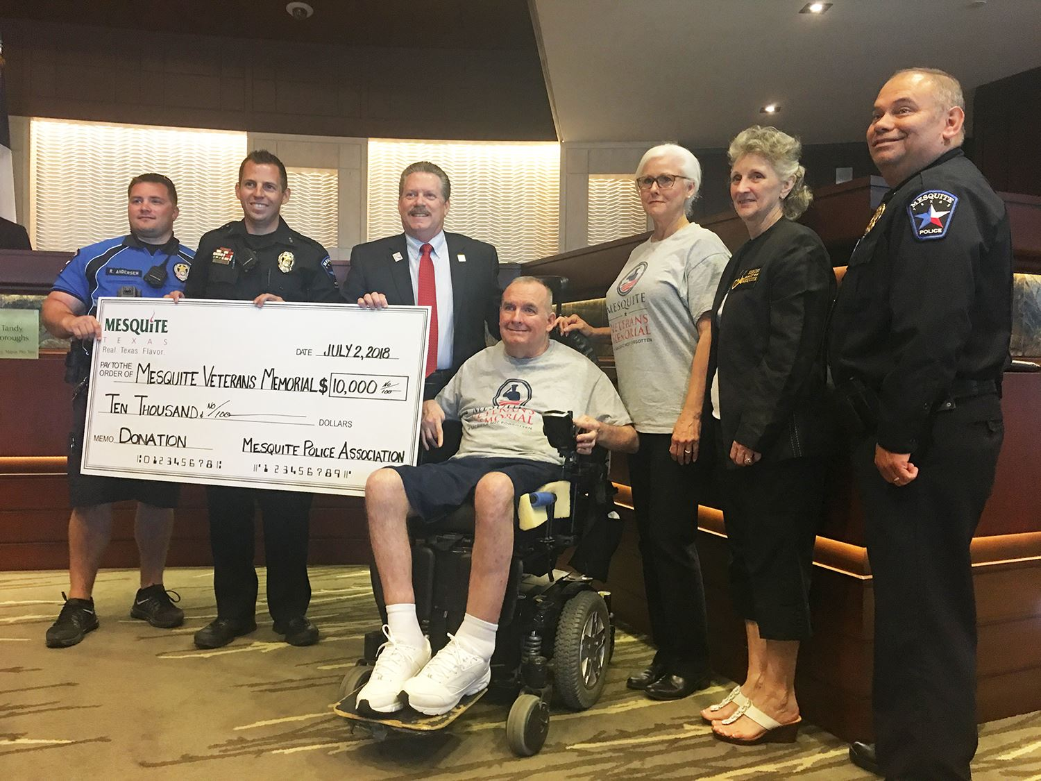 7-2-18 MPA donates to Mesquite Veterans Memorial