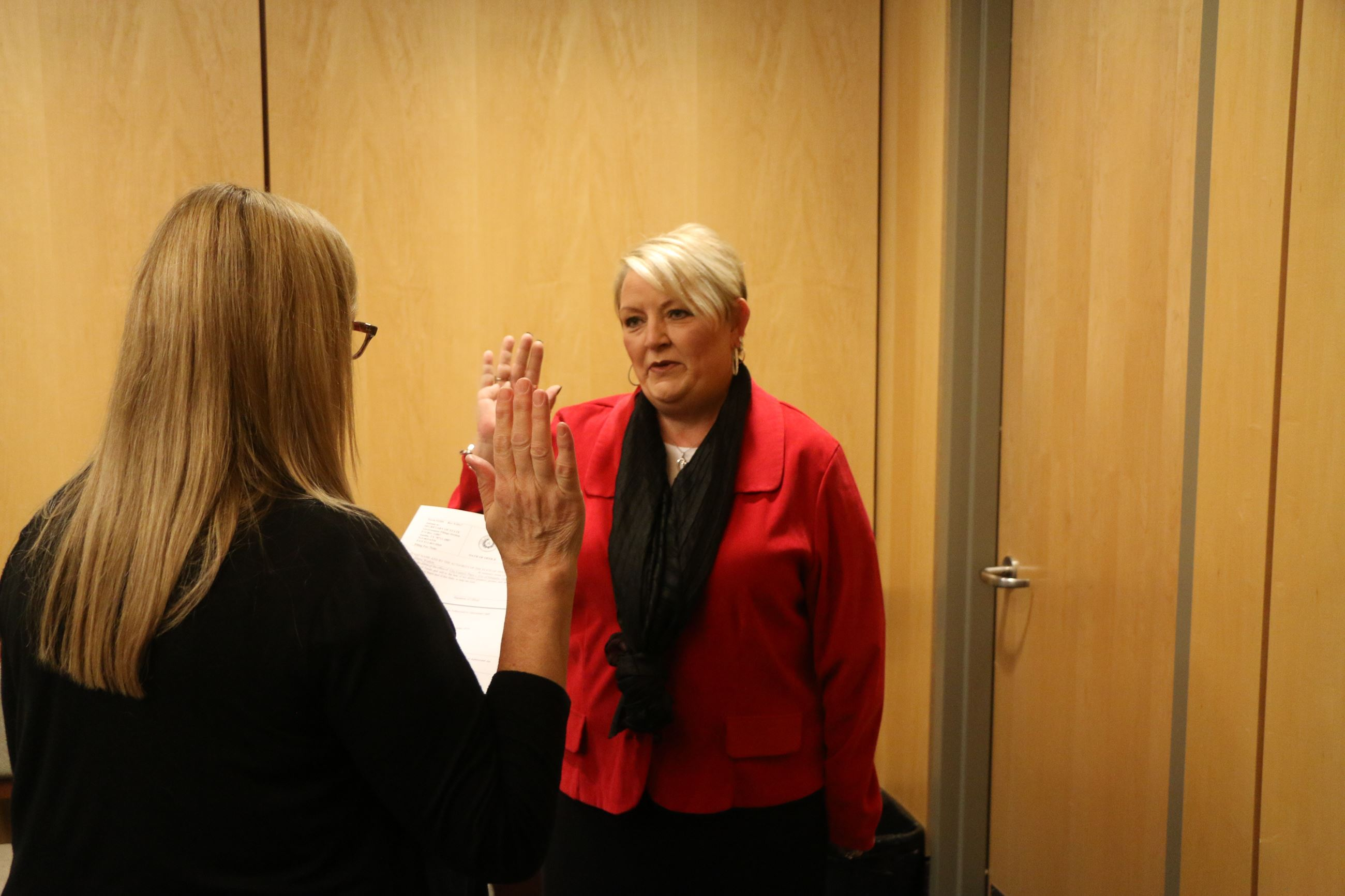 Sherry Wisdom takes oath of office 12/26/2019