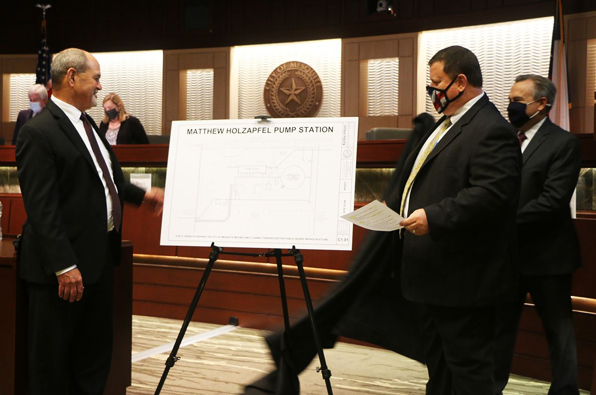 10-19-20 Mesquite TX Public Works Dir Matt Holzapfel views water pump station plans revealed by Mayo