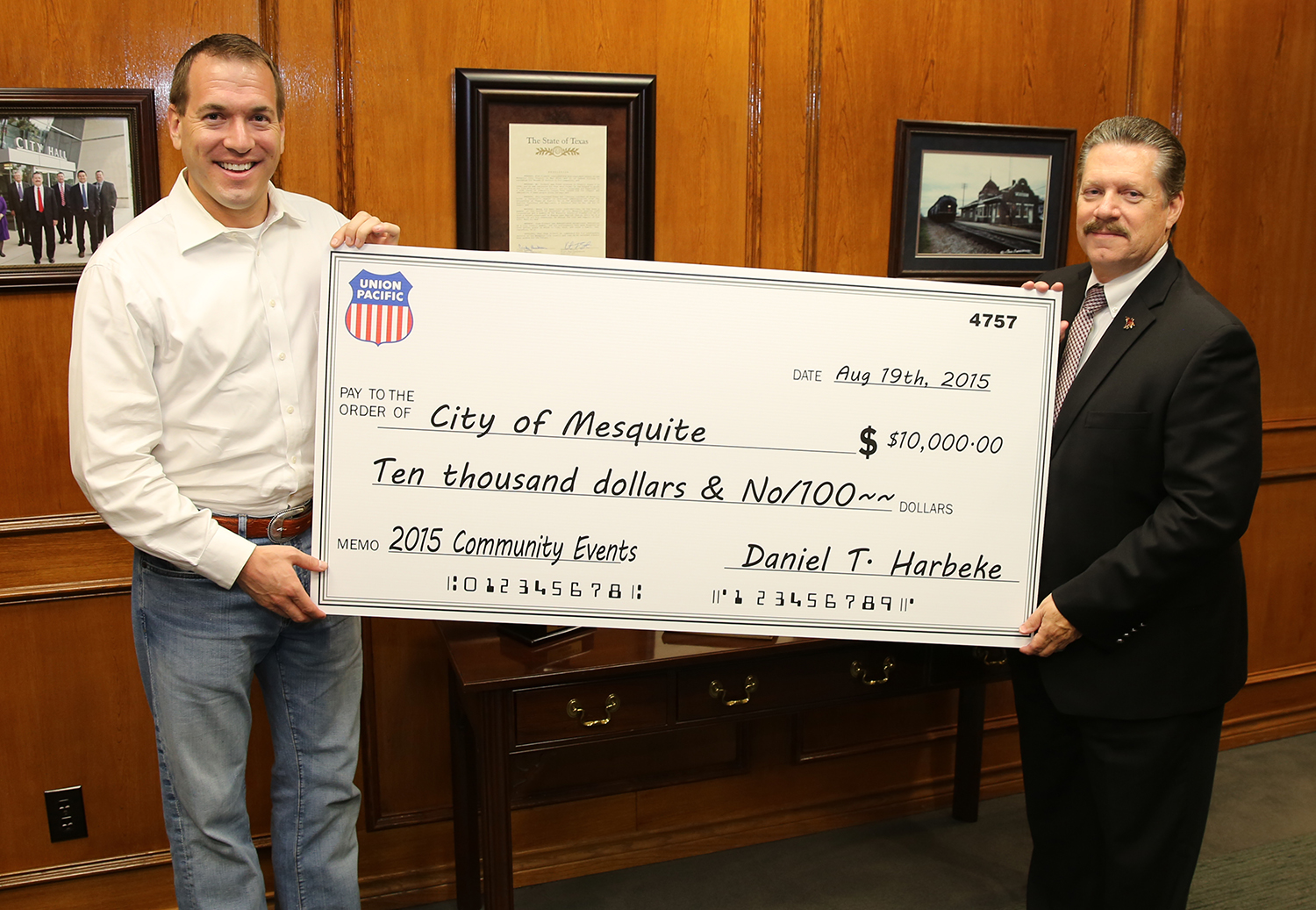 8-20-15 UnionPacific-Daniel Harbeke and MayorPickett.jpg