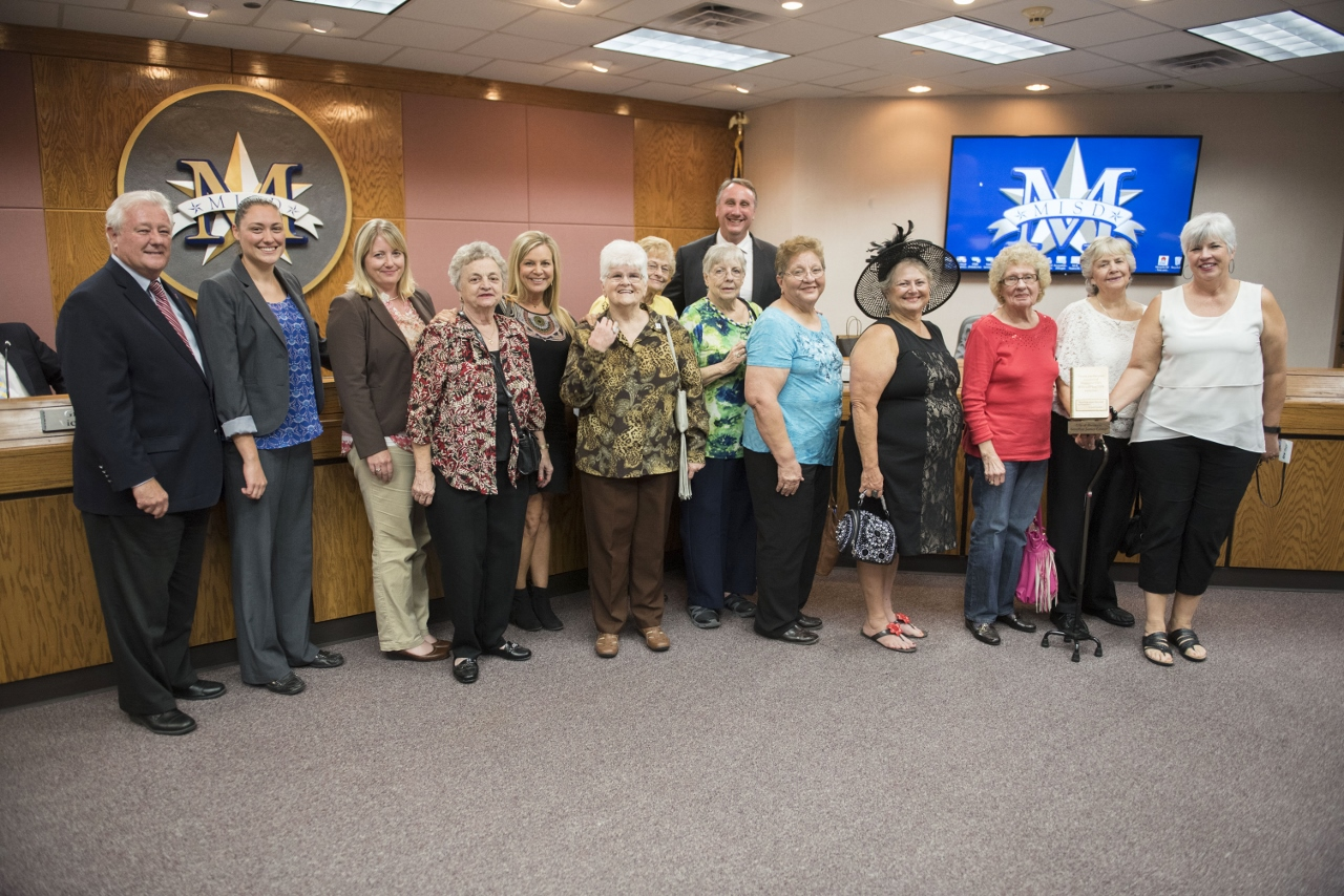 Mesquite seniors recognized for reading initiative